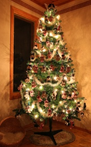 Here's the tree with 100 minions hanging on it!