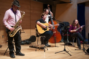 "Shirley Jackson's acoustic quartet ""The Sidecats"""